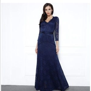 Dresses & Skirts - Long Lace 3/4 sleeve dress in navy blue EUC